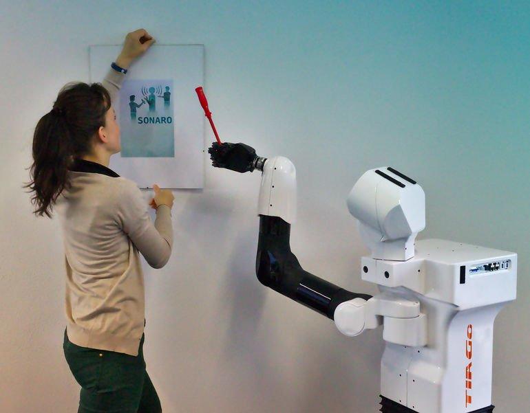 20190513_Roboter_lernen_zuzupacken.jpg