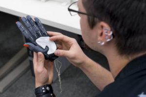 Handprothese im 3D-Druck Hochschule Coburg