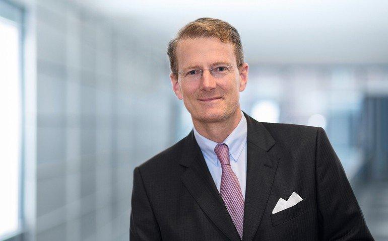 Der Chirurg Prof. Hanns-Peter Knaebel ist seit 2007 für Aesculap tätig