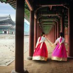 Korean_lady_in_Hanbok_or_Korea_gress_and_walk_in_an_ancient_town_and_Gyeongbokgung_Palace_in_seoul,_Seoul_city,_South_Korea.