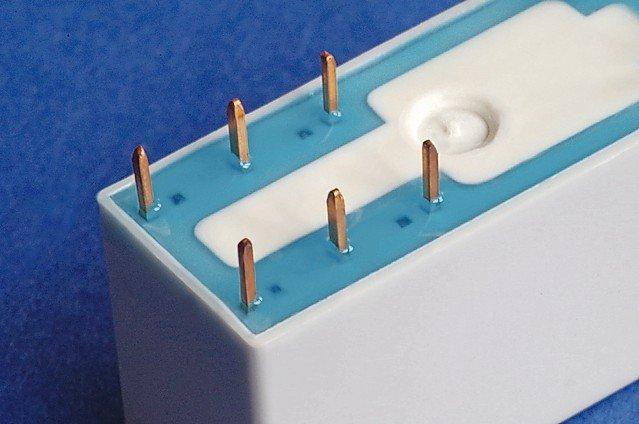 UV_moisture_curing_blue_adhesive_-_Panacol_IMGP3389.jpg