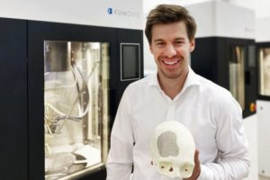 kumovis-co-ceo-and-cranial-implant.jpg