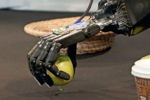 roboterhand_Bielefeld_newsimage288658.jpg